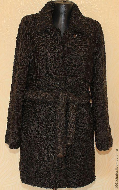 Шуба из коричневого каракуля, длина 90 см,на крючках,мягкая,легкая и модная в этом сезоне, модель с поясом,воротник стоечка, ,под заказ все размеры,пошив по меркам.