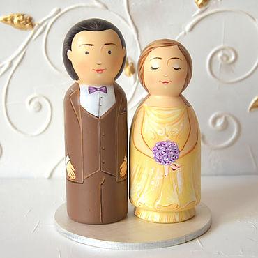 Свадебный салон ручной работы. Ярмарка Мастеров - ручная работа Фигурки на свадебный торт, топпер на свадебный торт, жених и невеста. Handmade.