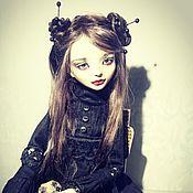 Художественная шарнирная кукла Кэрри Уайт.