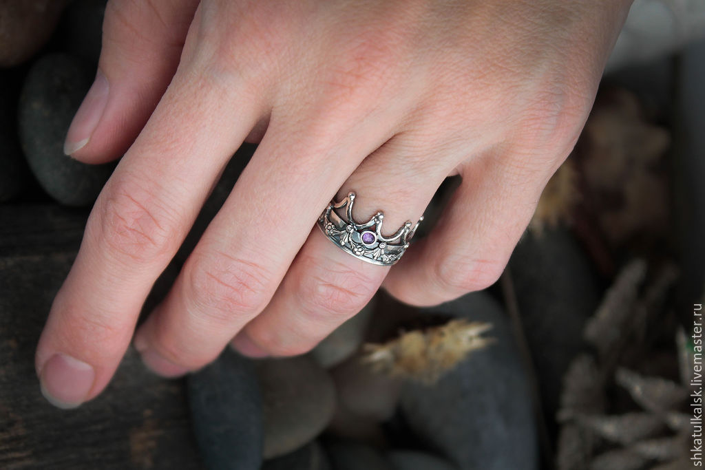 короной на руке фото с кольцо
