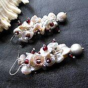"""Украшения ручной работы. Ярмарка Мастеров - ручная работа Серьги """"Белые лотосы"""" жемчуг кейши, гранат,серебро 925. Handmade."""
