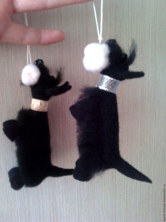 """Игрушки животные, ручной работы. Ярмарка Мастеров - ручная работа. Купить """"Все свое ношу с собой"""" брелочек. Handmade. Черный"""