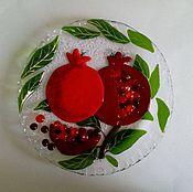 Для дома и интерьера ручной работы. Ярмарка Мастеров - ручная работа Гранатовая тарелочка-фьюзинг. Handmade.