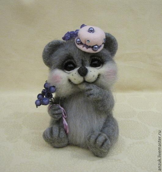"""Игрушки животные, ручной работы. Ярмарка Мастеров - ручная работа. Купить Мышка """"Голубика в сахаре"""". Handmade. Серебряный, мышь валяная"""