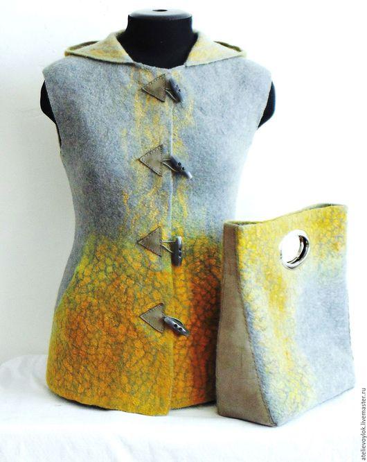 """Жилеты ручной работы. Ярмарка Мастеров - ручная работа. Купить Жилет и сумка """"Солнце на сером"""". Handmade. Серый, желтый"""