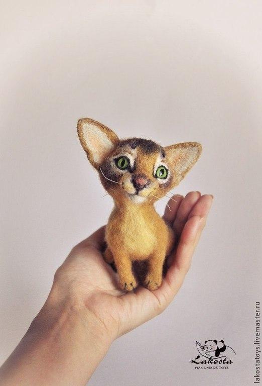 """Миниатюра ручной работы. Ярмарка Мастеров - ручная работа. Купить Интерьерная игрушка """"Абиссинская кошка Лара"""". Handmade. Абиссинская кошка"""