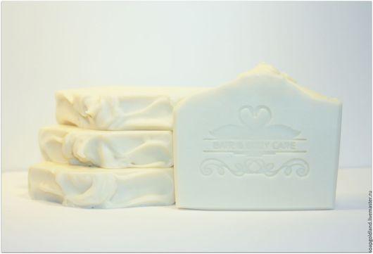 """Мыло ручной работы. Ярмарка Мастеров - ручная работа. Купить """"Кокосовое молоко"""" натуральное мыло с нуля Невеста.. Handmade. Белый"""