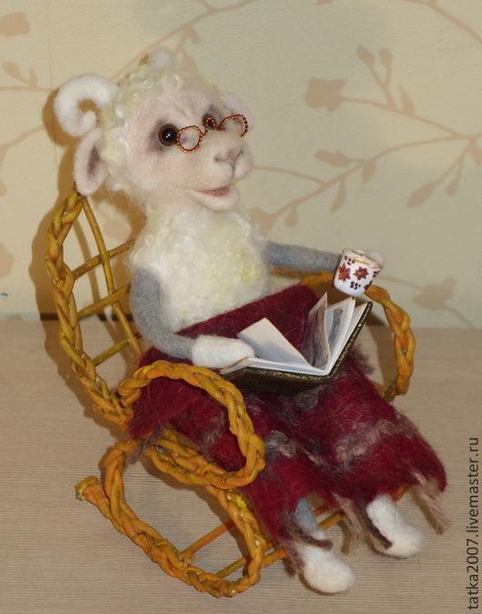 """Игрушки животные, ручной работы. Ярмарка Мастеров - ручная работа. Купить Валяный барашек"""" Мы будем жить воспоминаньями"""". Handmade."""