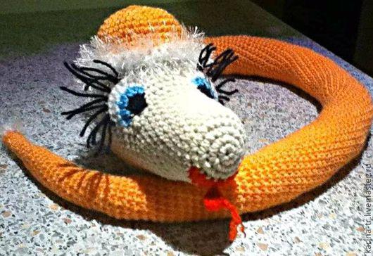 """Игрушки животные, ручной работы. Ярмарка Мастеров - ручная работа. Купить Змея """"Очаровашка"""". Handmade. Вязаная игрушка, змея, красавица"""