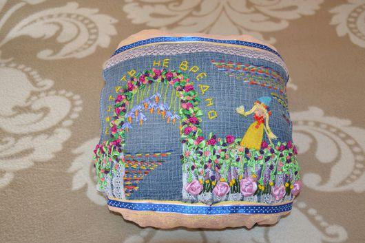 Текстиль, ковры ручной работы. Ярмарка Мастеров - ручная работа. Купить подушка-открытка. Handmade. Джинс, вышивка, мулине