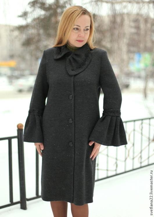 """Верхняя одежда ручной работы. Ярмарка Мастеров - ручная работа. Купить Вязаное пальто """"Нежные воланы с бисером-2"""". Handmade."""