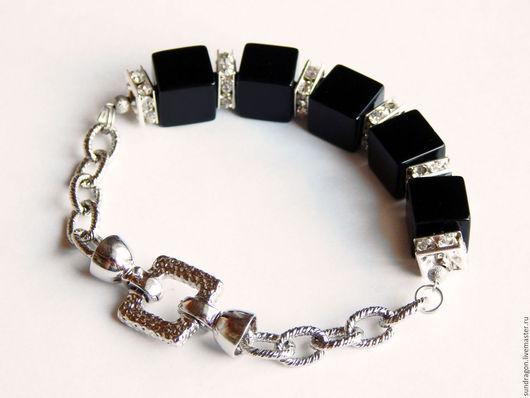 Браслеты ручной работы. Ярмарка Мастеров - ручная работа. Купить браслет на цепочке из кубиков черного агата со стразами. Handmade.