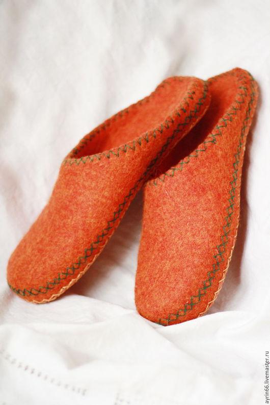 """Обувь ручной работы. Ярмарка Мастеров - ручная работа. Купить Тапочки """"Рыжие"""". Handmade. Рыжий, тапки валяные, валяные тапочки"""