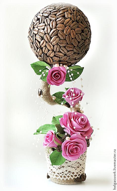 Кофейное дереве с крупными розами из полимерной глины.