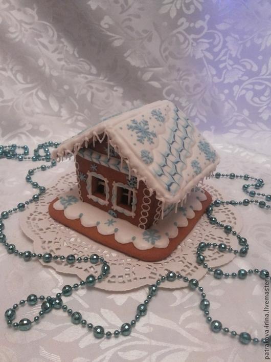 Новогодний пряничный домик `Ледяная избушка`. Ирина Патракова. Ярмарка Мастеров.