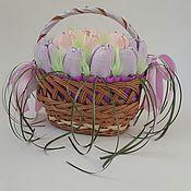 """Цветы и флористика ручной работы. Ярмарка Мастеров - ручная работа Корзинка из конфет """"Крокусы"""". Handmade."""