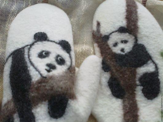 """Варежки, митенки, перчатки ручной работы. Ярмарка Мастеров - ручная работа. Купить Варежки валяные"""" Панды-акробаты"""" проданы. Handmade."""