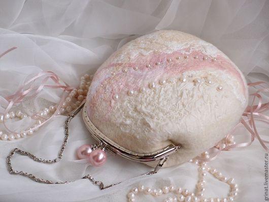 """Женские сумки ручной работы. Ярмарка Мастеров - ручная работа. Купить Сумочка """"Очаровательная невеста"""". Handmade. Белый, торжество, розовый"""