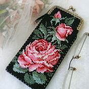 Сумки и аксессуары handmade. Livemaster - original item Eyeglass case beaded Royal rose. Handmade.
