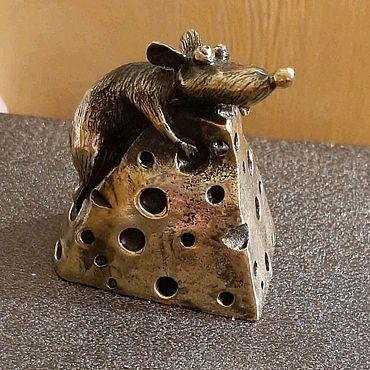 Сувениры и подарки ручной работы. Ярмарка Мастеров - ручная работа Колокольчик крыс на сыре. Handmade.