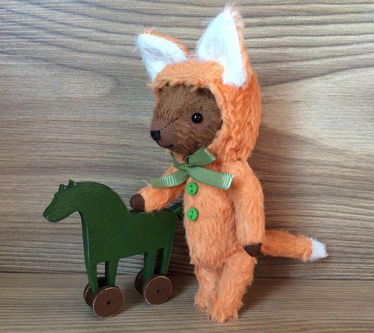Игрушки животные, ручной работы. Ярмарка Мастеров - ручная работа. Купить Мишка в костюме лисички с деревянной лошадкой. Handmade. лисичка