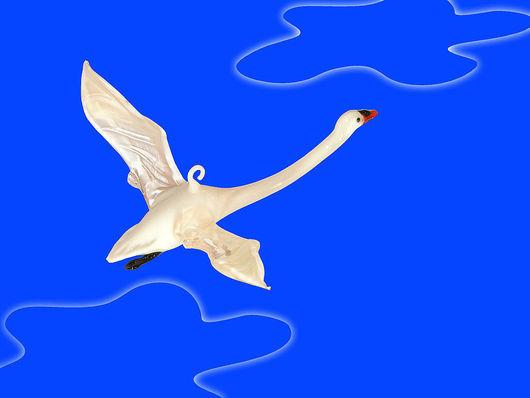 Новый год 2017 ручной работы. Ярмарка Мастеров - ручная работа. Купить Интерьерное стеклянное украшение  -   птица Лебедь. Handmade. Лебедь