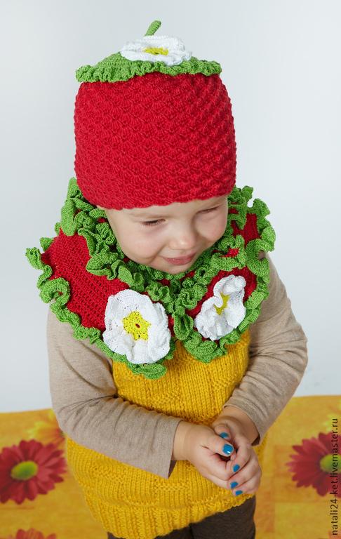 Шапки и шарфы ручной работы. Ярмарка Мастеров - ручная работа. Купить шапочка и шарфик клубничка. Handmade. Ярко-красный, аксессуары