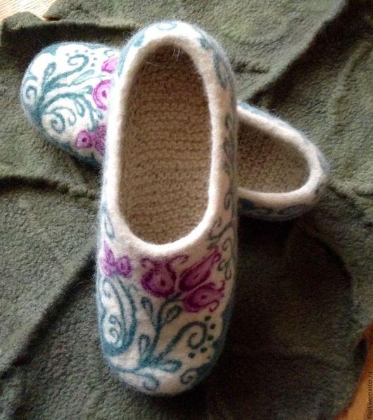 """Обувь ручной работы. Ярмарка Мастеров - ручная работа. Купить Валяные тапочки """"Весна"""". Handmade. Валяние, валяные тапочки"""