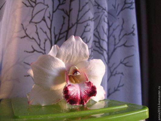 Заколки ручной работы. Ярмарка Мастеров - ручная работа. Купить Краб для волос с белыми орхидеями. Handmade. Белый, украшение