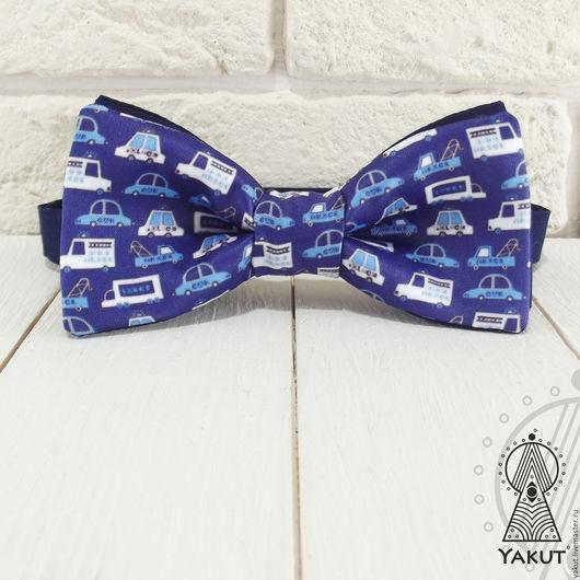 Галстуки, бабочки ручной работы. Ярмарка Мастеров - ручная работа. Купить Галстук бабочка Мальчики любят машинки  / бабочка-галстук синяя. Handmade.