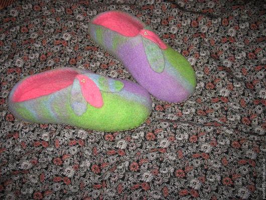 Обувь ручной работы. Ярмарка Мастеров - ручная работа. Купить Валяные тапочки Радужные. Handmade. Комбинированный, здоровый образ жизни