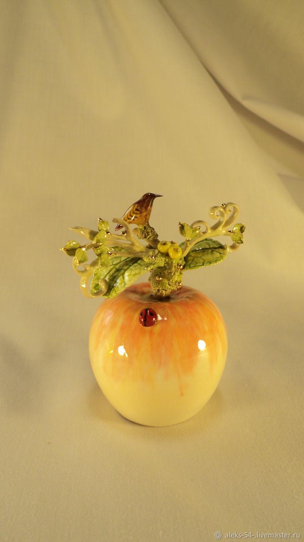 Bell porcelain ' Bird like a delicious Apple', Kolokolchiki, Kursk,  Фото №1