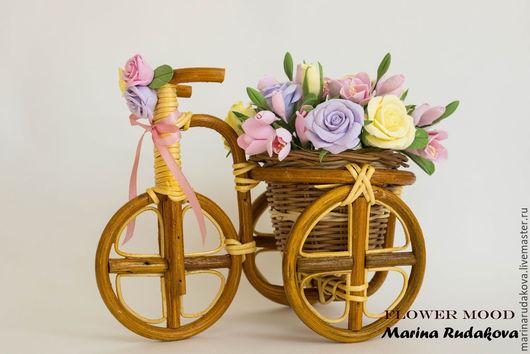 Интерьерные композиции ручной работы. Ярмарка Мастеров - ручная работа. Купить Композиция велосипед с розами и фрезией. Handmade. Разноцветный