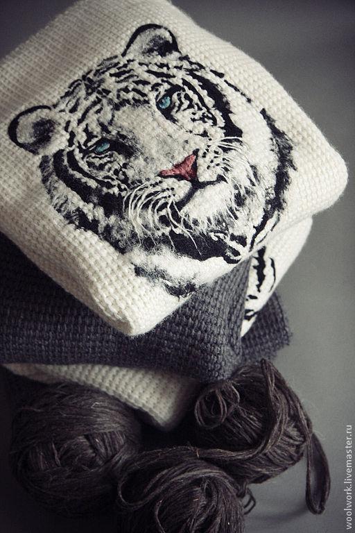 Кофта с тигром Москва