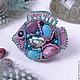 Брошь-кулон, украшение-трансформер ручной работы. Авторская бижутерия из камней и бисера. Яркое, нежное, весеннее украшение в форме милой рыбки.