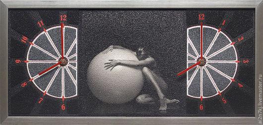 """Часы для дома ручной работы. Ярмарка Мастеров - ручная работа. Купить """"СУБЛИМАЦИЯ"""" из песка часы авторские. Handmade. Чёрно-белый"""