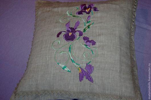 """Текстиль, ковры ручной работы. Ярмарка Мастеров - ручная работа. Купить Две льняные наволочки с вышивкой """"Сиреневые грёзы"""" на подушки. Handmade."""