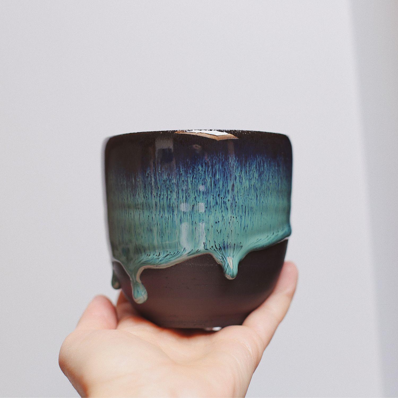 Стакан из чёрной глины с глазурью зелёного цвета, керамика, Стаканы, Москва,  Фото №1