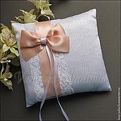 Свадебный салон ручной работы. Ярмарка Мастеров - ручная работа Подушечка для колец в персиковом цвете. Handmade.