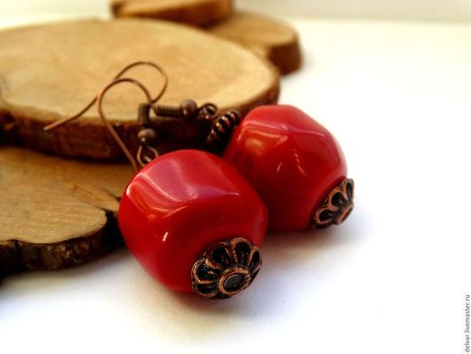 """Серьги ручной работы. Ярмарка Мастеров - ручная работа. Купить Серьги с кораллом """"Lady in red"""". Handmade. Ярко-красный"""