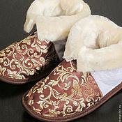 Обувь ручной работы. Ярмарка Мастеров - ручная работа Чуни из овчины с жаккардовой тканью (золотой на коричневом). Handmade.