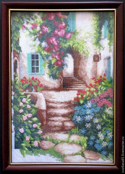 """Город ручной работы. Ярмарка Мастеров - ручная работа. Купить Картина вышитая крестиком """"Уютный дворик"""". Handmade. Картина, картины"""