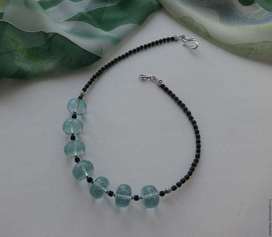 1. Колье `Недотрога` (аква-кварц), цена 890р.