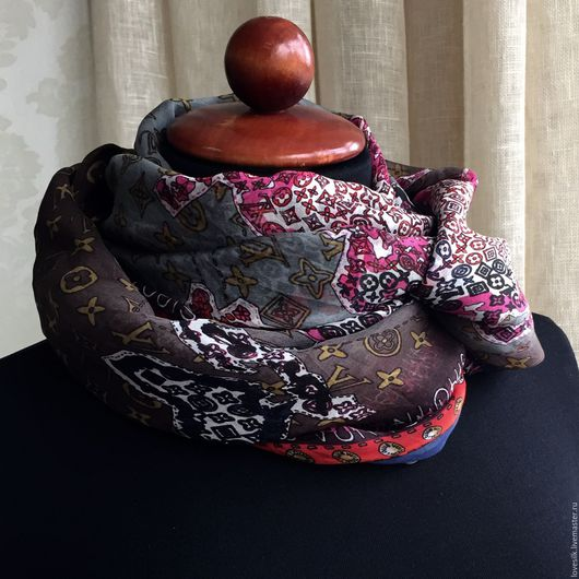 Шали, палантины ручной работы. Ярмарка Мастеров - ручная работа. Купить Платок Louis Vuitton Натуральный шёлк 100%. Handmade.