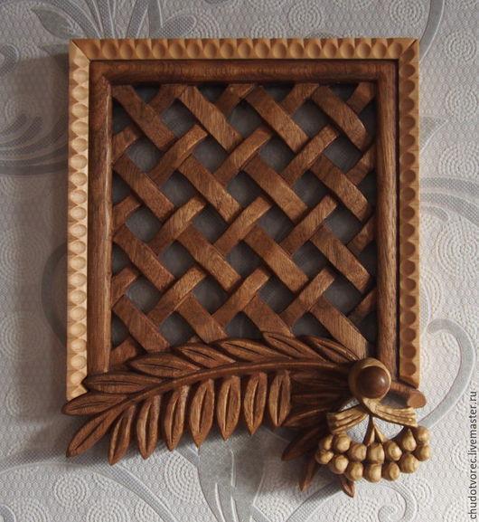 Декоративная деревянная решетка Рябина.