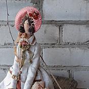 Куклы и игрушки ручной работы. Ярмарка Мастеров - ручная работа кукла тильда ручной работы Барышня в пальто по мотивам. Handmade.