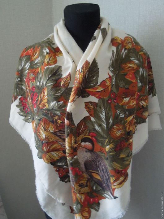 Одежда. Ярмарка Мастеров - ручная работа. Купить Большой Платок Птицы в рябине. Handmade. Комбинированный, винтажный стиль, подарок девушке