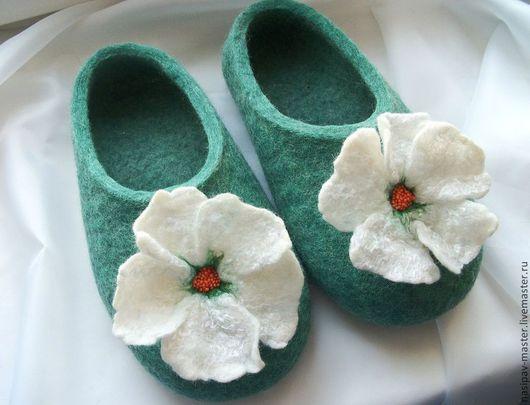 Обувь ручной работы. Ярмарка Мастеров - ручная работа. Купить Валяные тапочки домашние. Handmade. Морская волна, валяные тапки