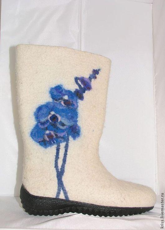 Обувь ручной работы. Ярмарка Мастеров - ручная работа. Купить валенки Синяя орхидея. Handmade. Белый, валенки
