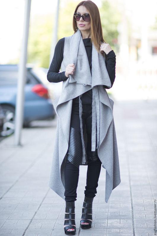 Серое пальто. Пальто из кашемира. Пальто без рукавов. Пальто с карманами. Пальто без подкладки. Длинное пальто с поясом.